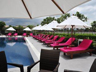 Best Western Premier Amaranth Hotel Pool